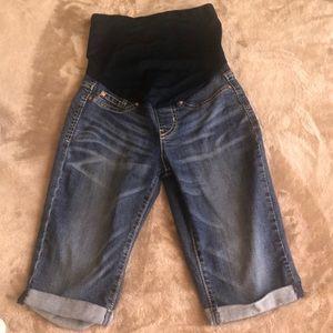 Maternity shorts/capris